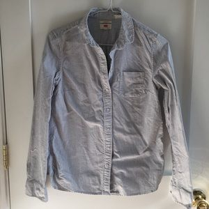 Levi's classic fit pinstripe button down XS
